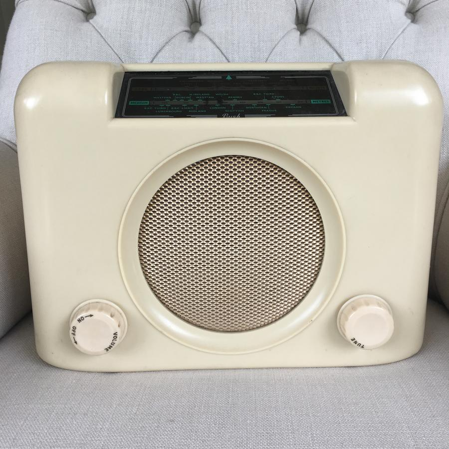 Vintage cream bakelite Bush radio