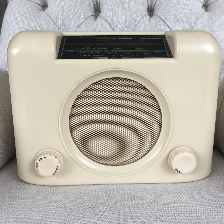 Vintage cream bakelite Bush radio
