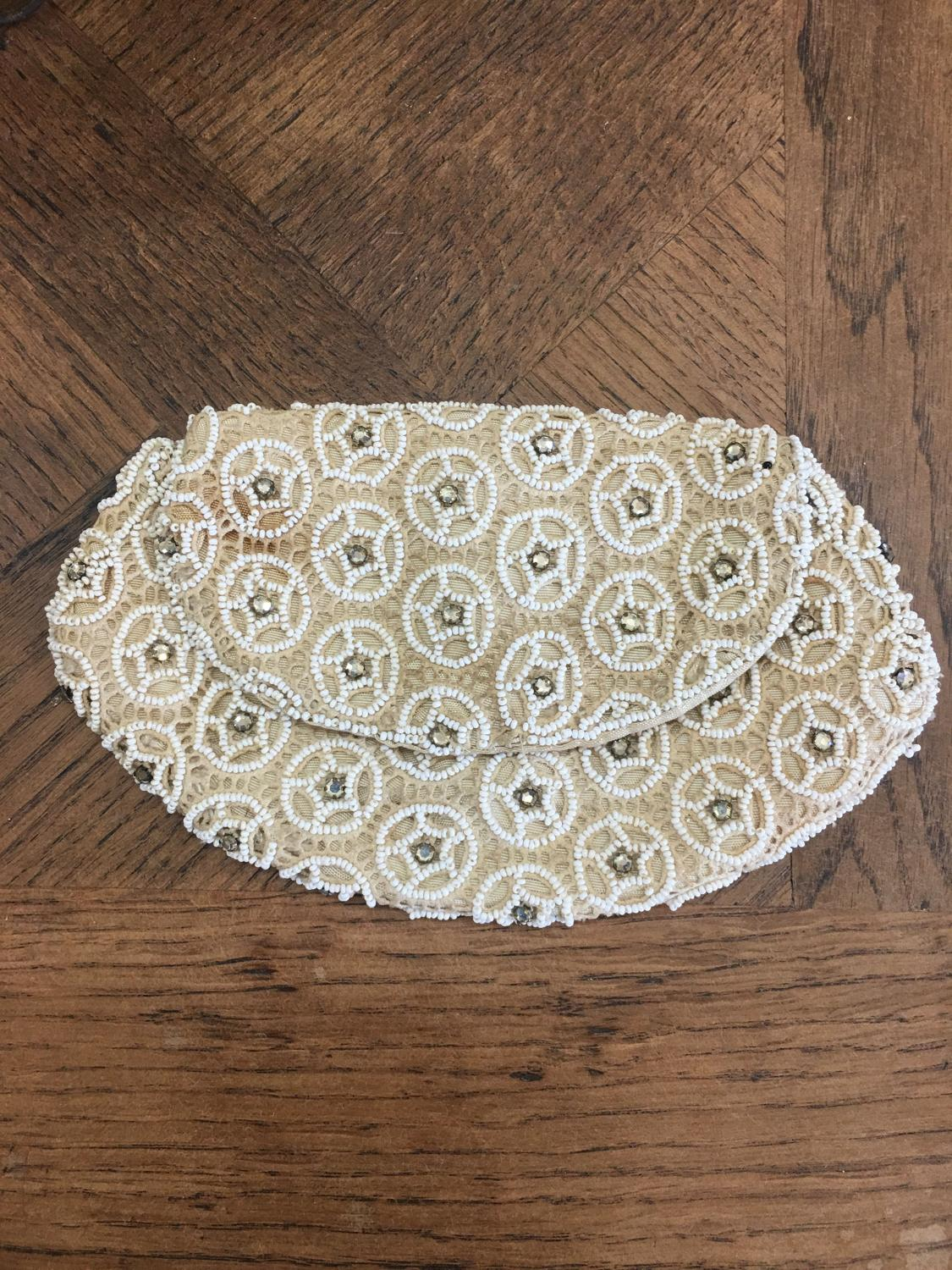 1930s cream beaded handbag