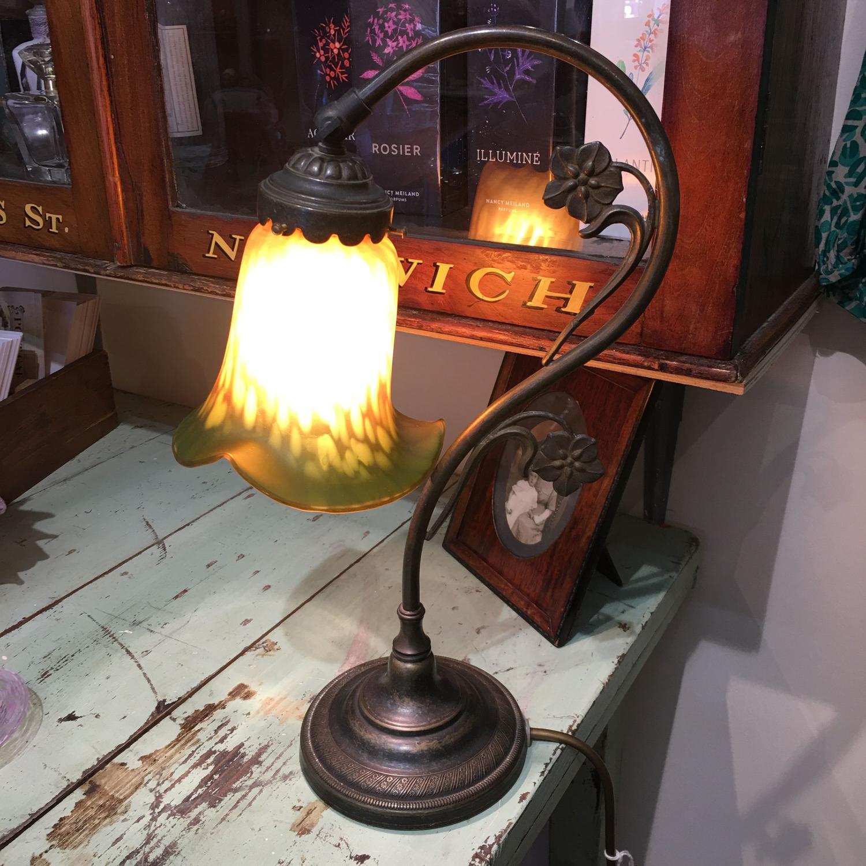 Art nouveau style table lamp
