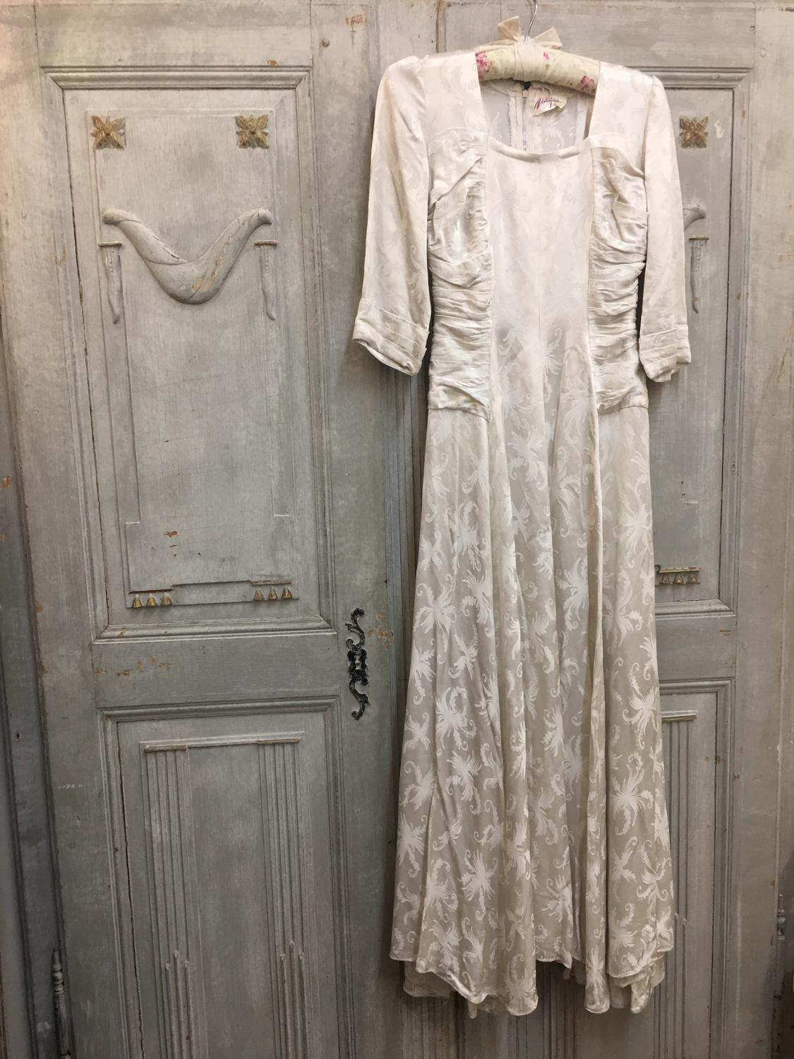 Walgar London size 8 off white wedding dress