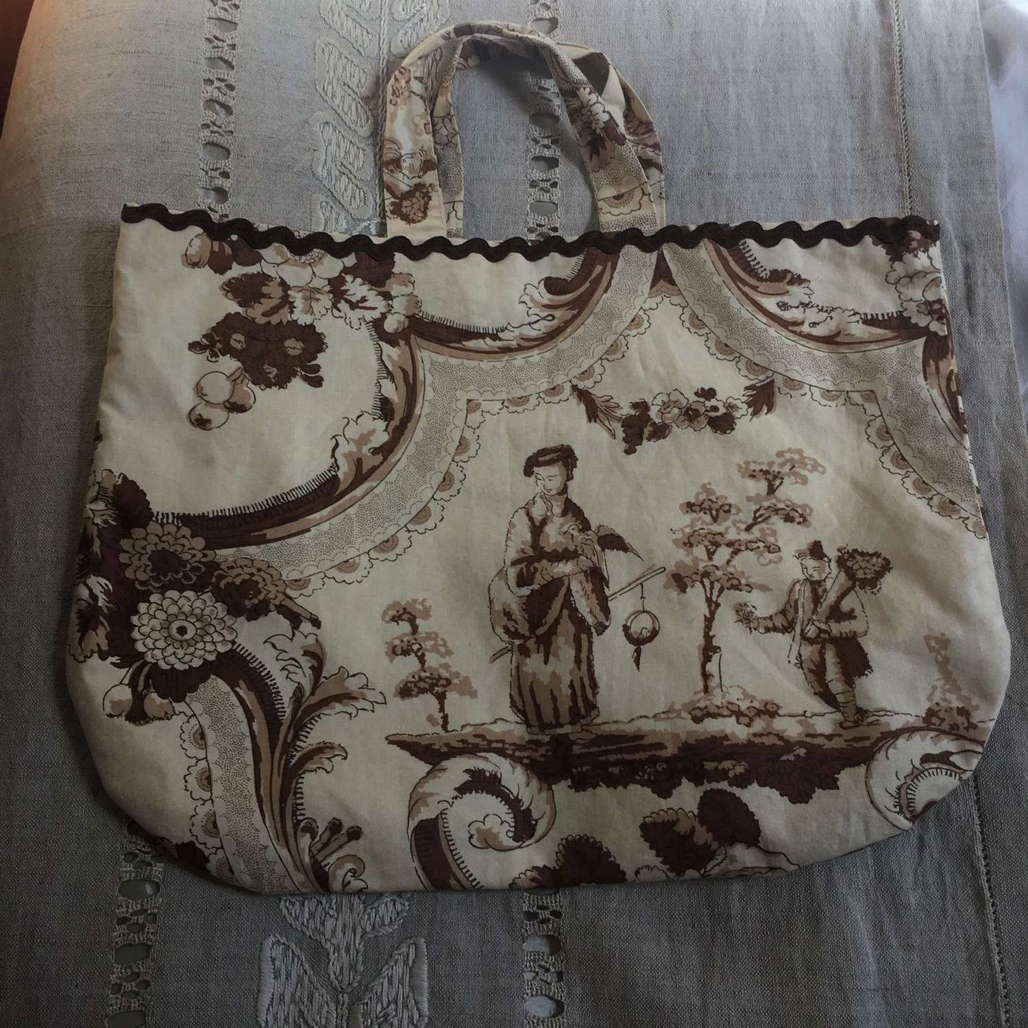 Beige, cream toile cotton bag fully lined in cotton