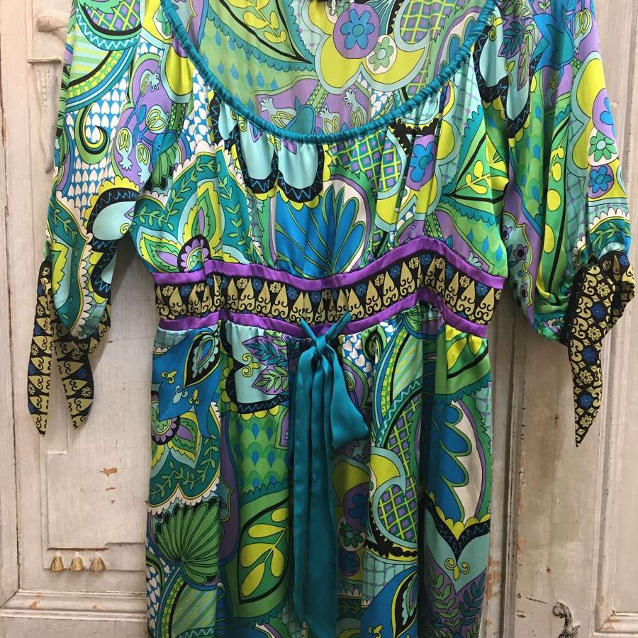 Joseph silk top size medium