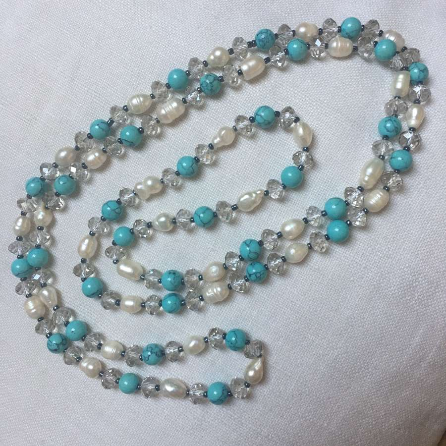 Pearl, crystal and howlite long necklace