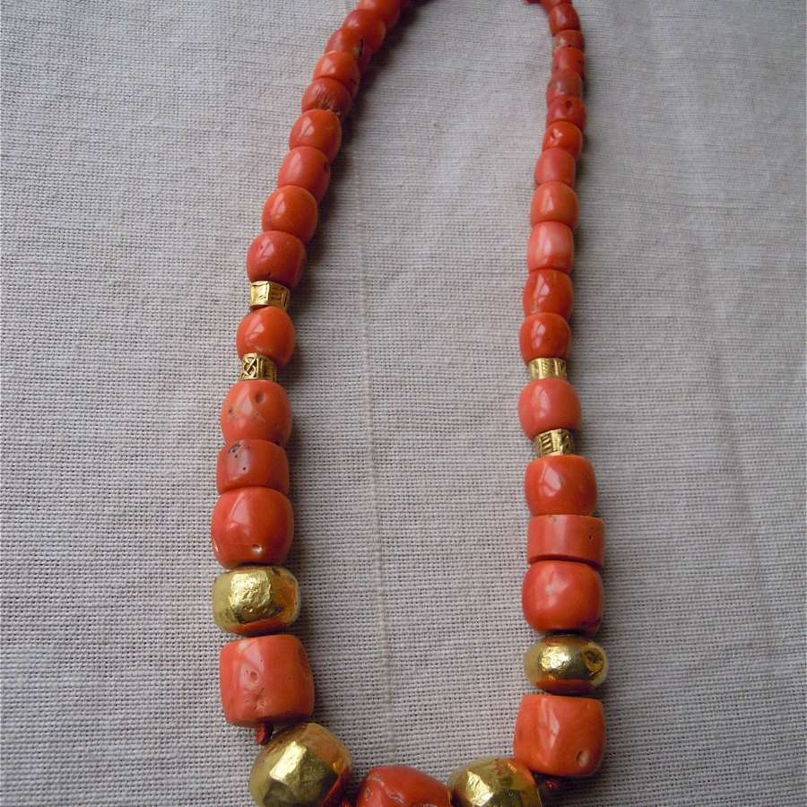 Antique coral and 22ct gold bead necklace