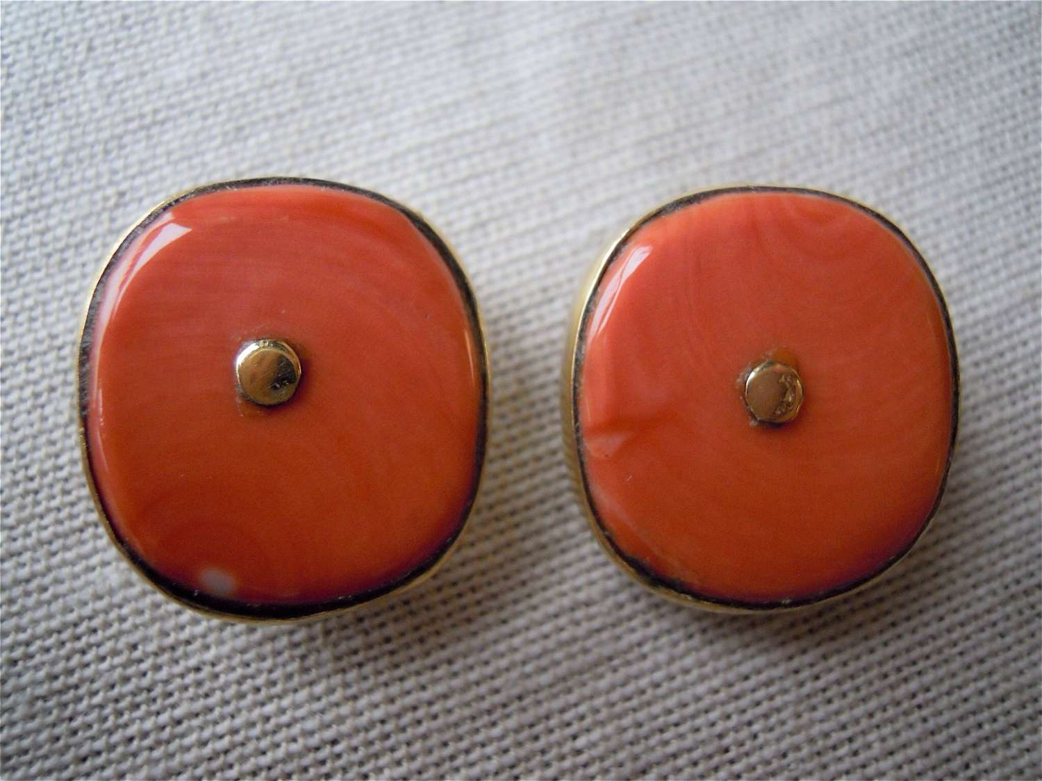 Antique coral bead 18ct gold clip earrings