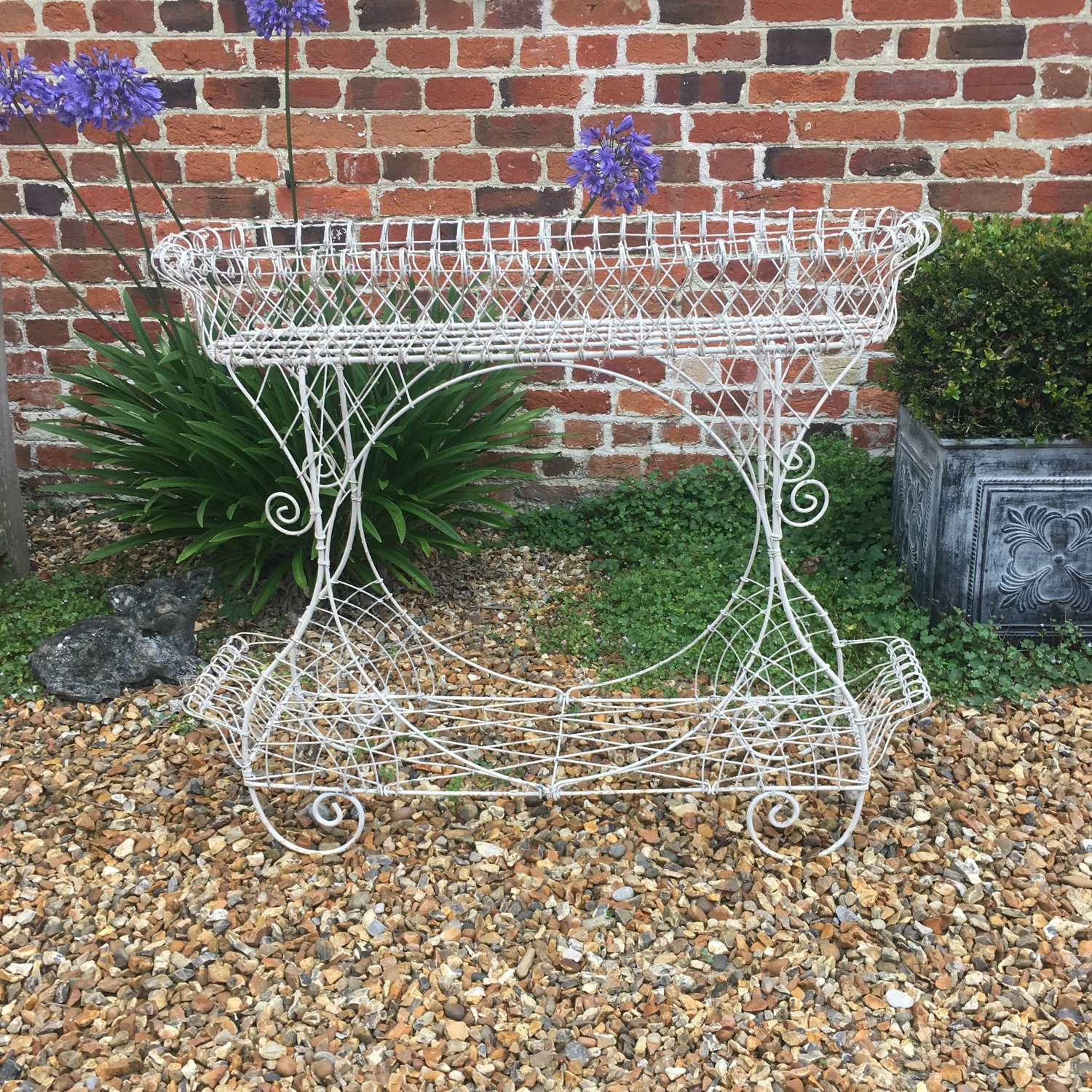 Post War wirework planter in good condition