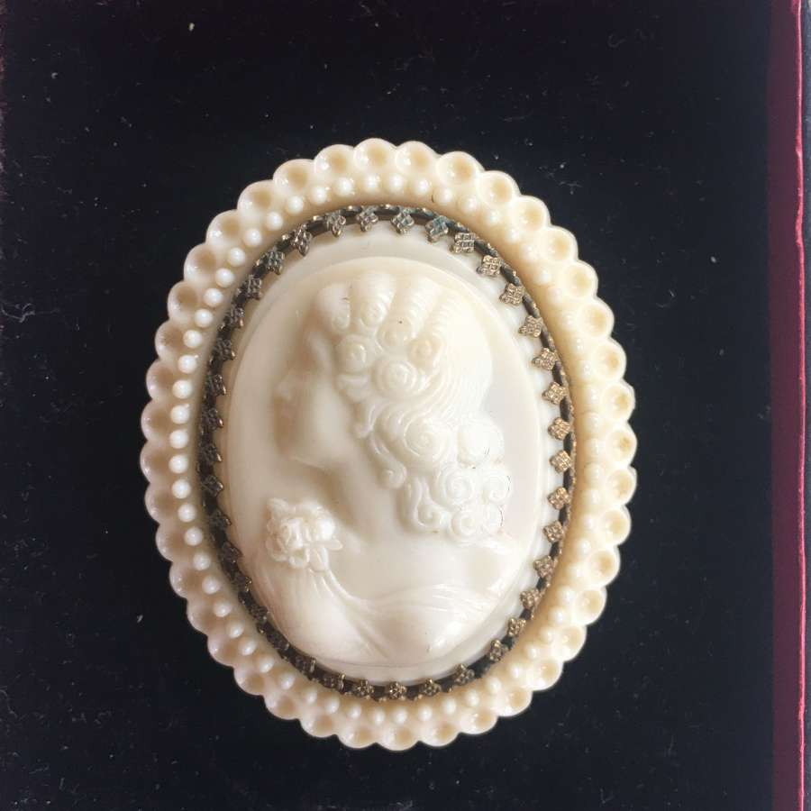 Vintage French celluloid cameo brooch