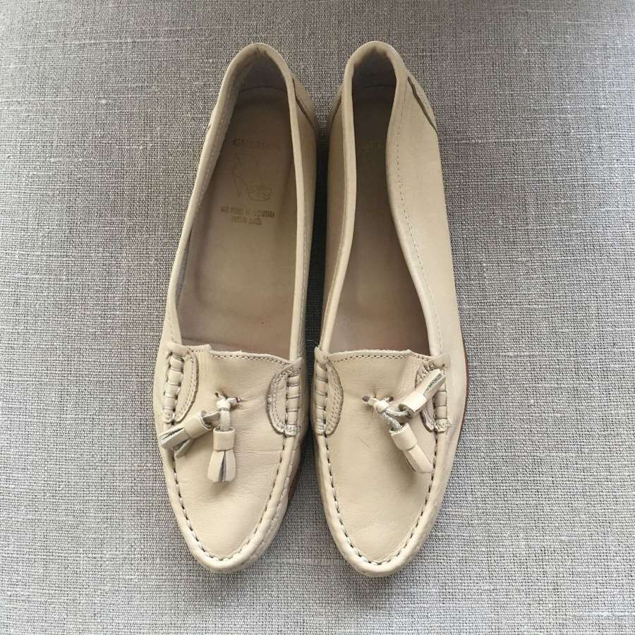 Sand coloured soft leather loafers size UK 6/39 as new