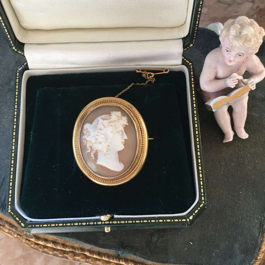 15ct gold framed shell cameo of a Bacchante c 1880