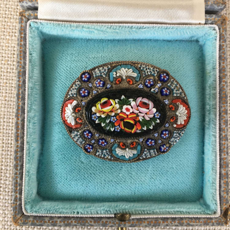 Oval Italian Micromosaic brooch c 1920