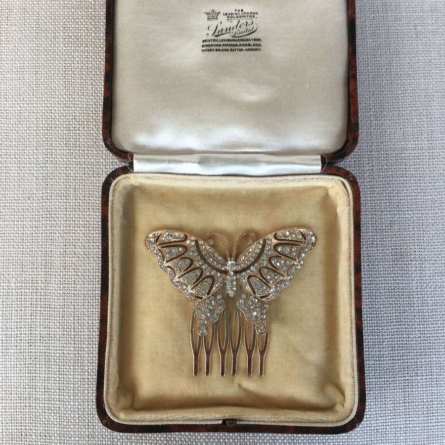 Butterfly paste hair comb