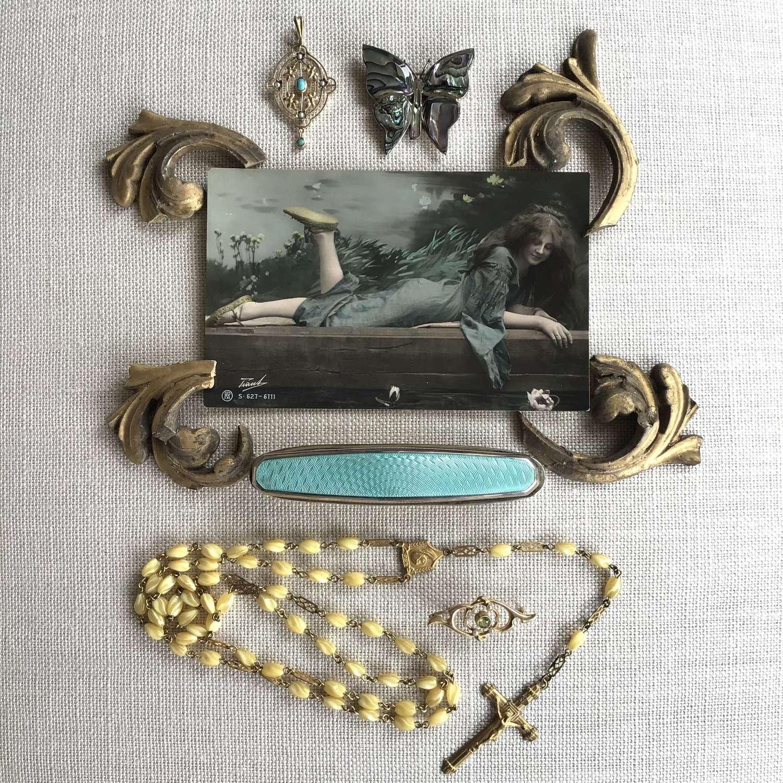 Jewellery flatlay 16