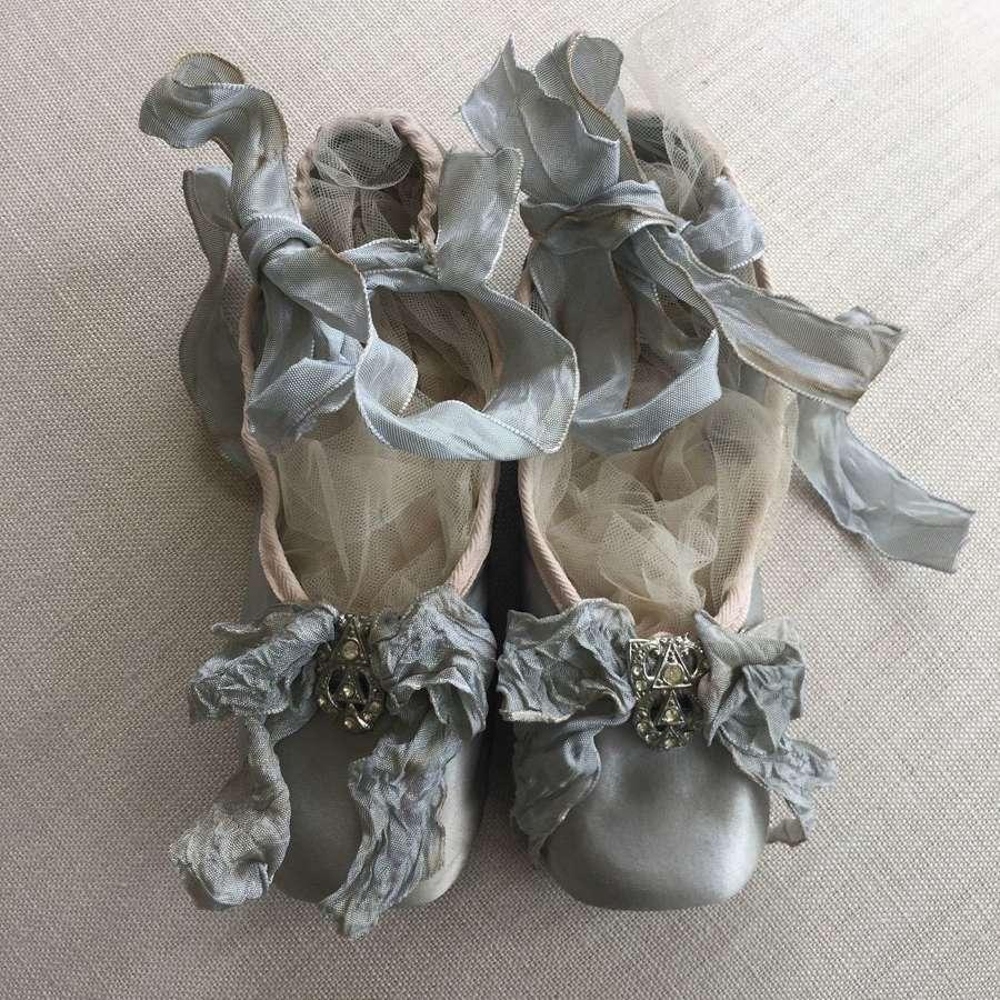 Vintage ballet pointes