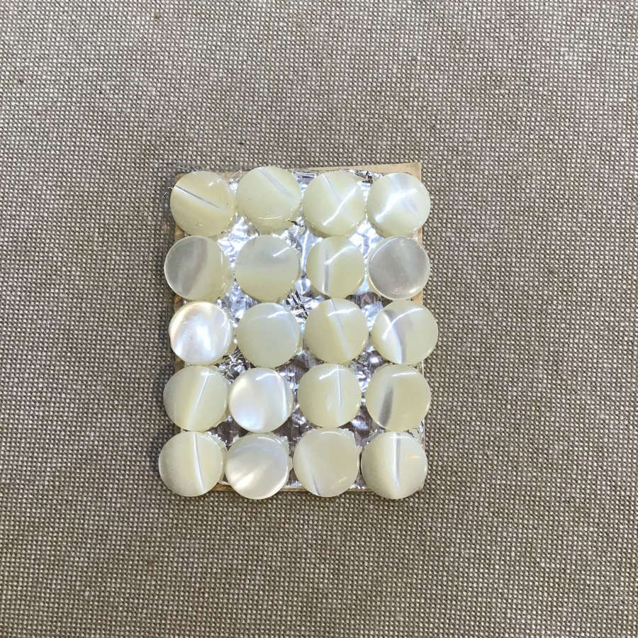 20 mother of pearl button
