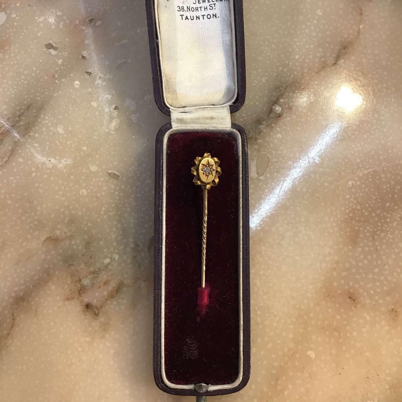 15ct gold and diamond stick pin