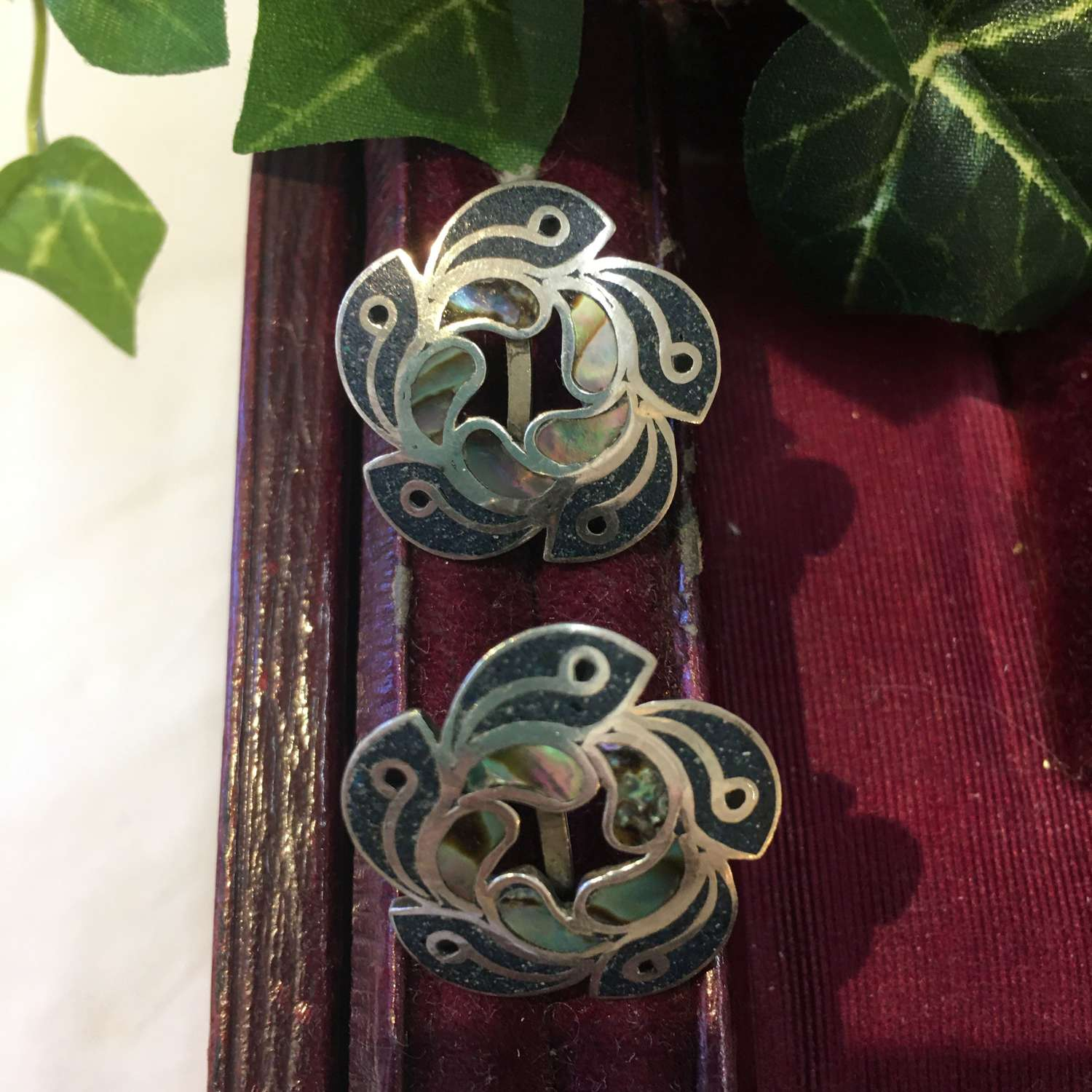 Vintage Mexican silver & abalone screw on earrings